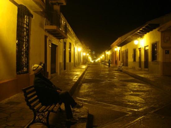 Hotel Casa Margarita, vista nocturna en exterior