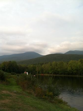 Indian Head Resort: lake/mountain view