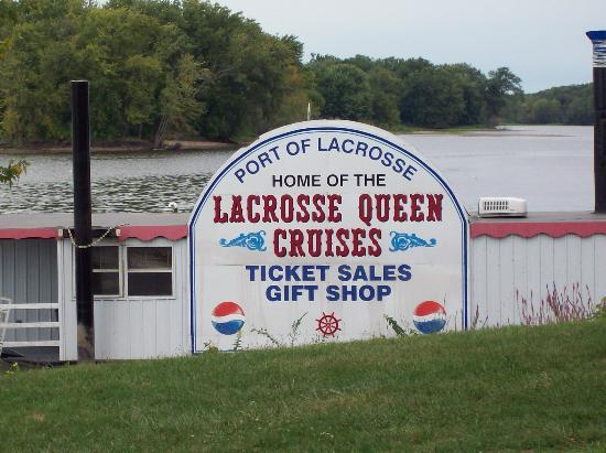 The La Crosse Queen : Sign
