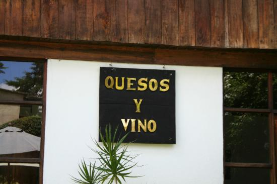 Quesos y Vino (Wine and Cheese)