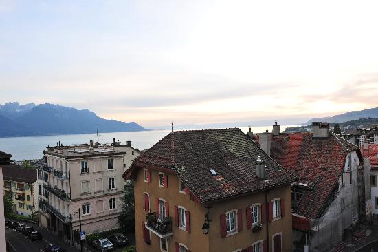Tralala Hotel Montreux: Another view out of a window in Room 405