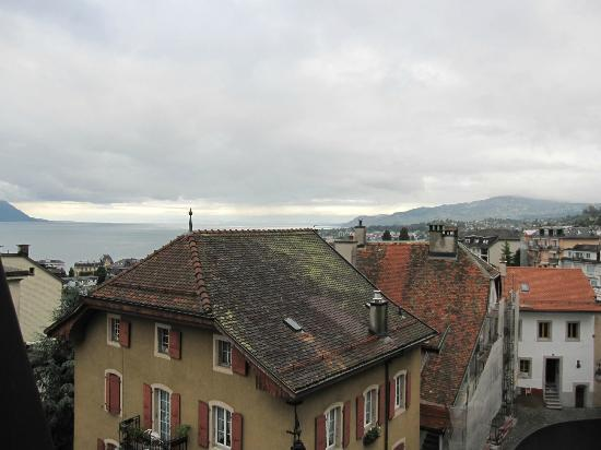 Tralala Hotel Montreux: View out of window of Room 404