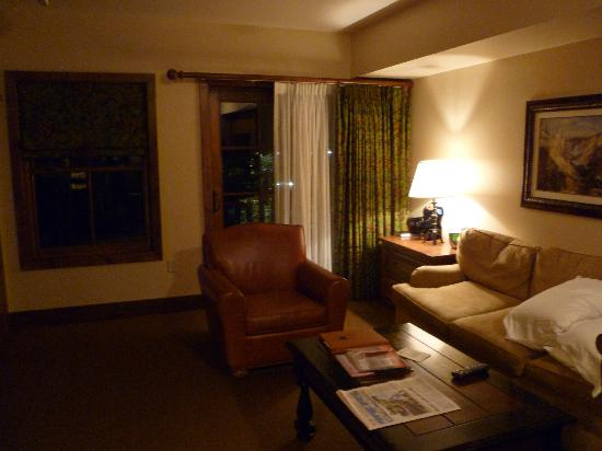 Teton Mountain Lodge & Spa- A Noble House Resort: Living area