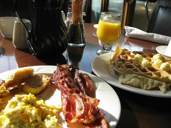 breakfast buffet at the prairie caf picture of crowne plaza hotel rh tripadvisor co nz