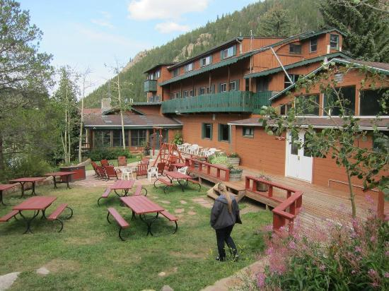 Peaceful Valley Resort and Conference Center : Outdoor dining and fire pit