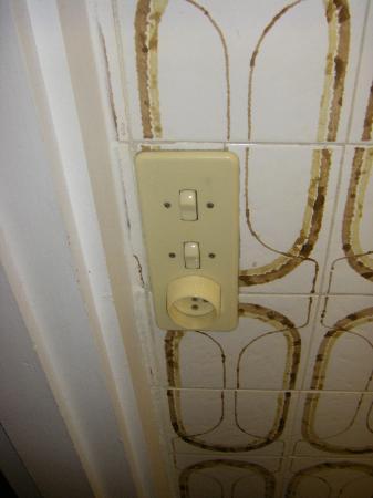 Alpina Eclectic Hotel: electricité qui date