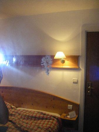 Alpina Hotel: tache au milieu de la glace