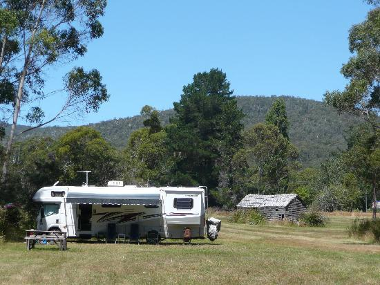 Taranna Cottages : Self contained campers welcom