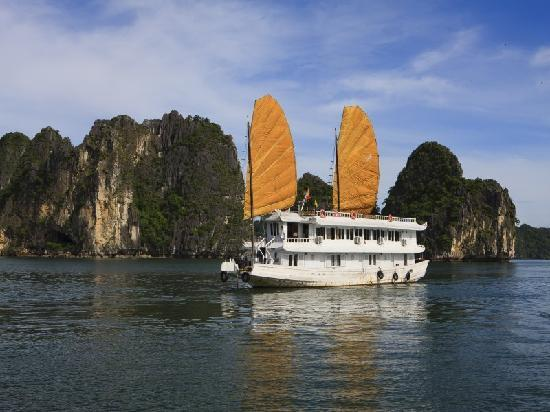 Halong Elizabeth: New picture