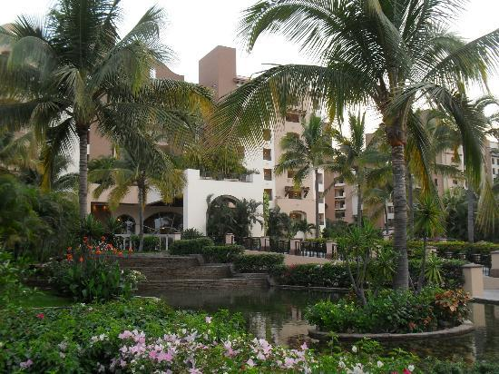 Villa del Palmar Flamingos: front view of villa