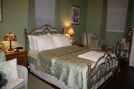 Old Kentucky Home Stables, Bed & Breakfast: One of the bedrooms