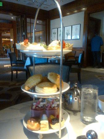 Swann Lounge & Cafe: Social Tea