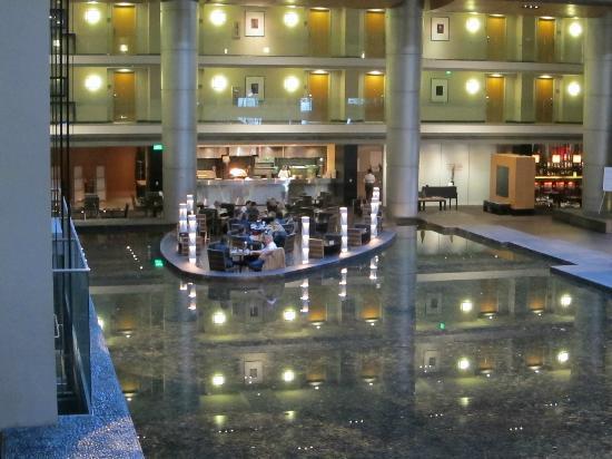 The Westin Detroit Metropolitan Airport Lobby Restaurant