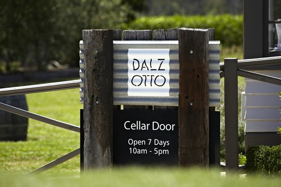‪Dal Zotto Wines‬