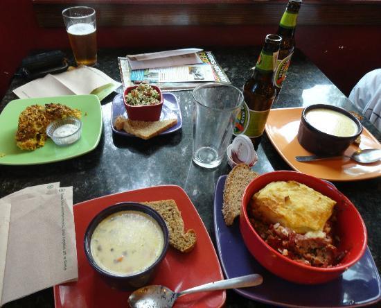 Flying Squirrel Bakery Cafe : Wholesome food -- veggie kugel, tabouli, corn chowder, meatloaf
