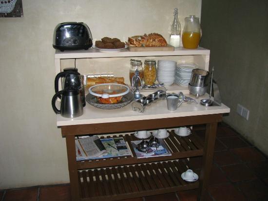 La Rose Bed & Breakfast: Breakfast