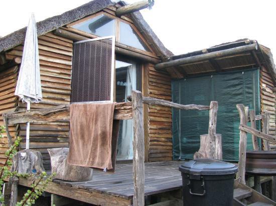 أدو دنج بيتل جست فارم: Bush cabin 
