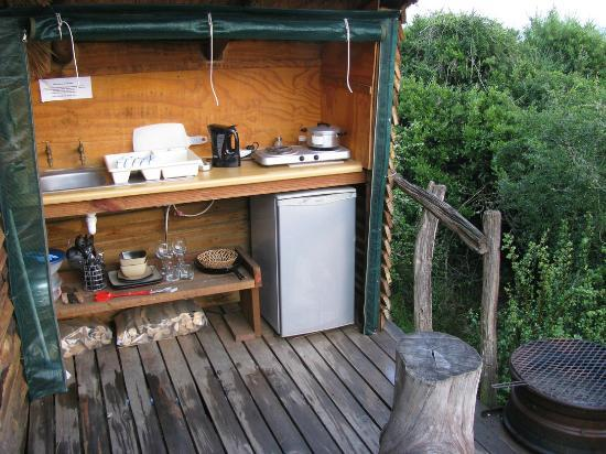 Addo Dung Beetle Guest Farm: Bush cabin braai equipment