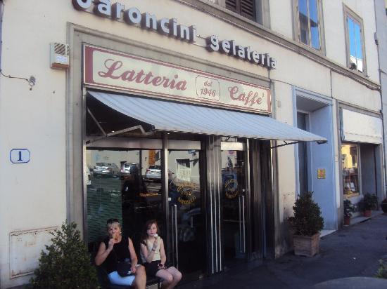 Gelateria Baroncini: Baroncini - Bes ice cream in Firenze and sensational coffee too