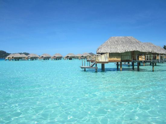 Bora Bora Pearl Beach Resort & Spa: The overwater bungalows.