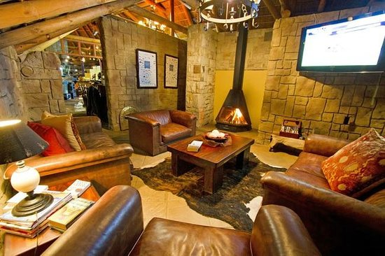 Nyaru Private Game Lodge: Lodge Interior