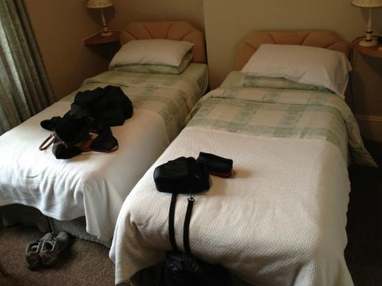 Berkeley House: Twin bed room