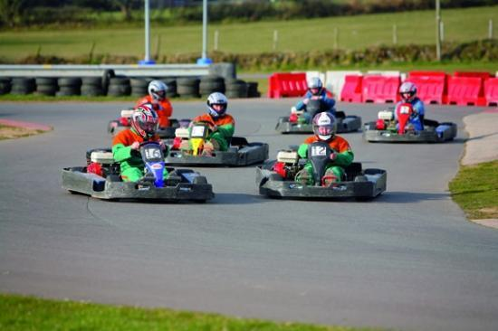 Пулхели, UK: Go-karting - junior and senior circuits - arrive and drive