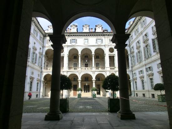 Piazzetta Consolata: Ingresso palazzo