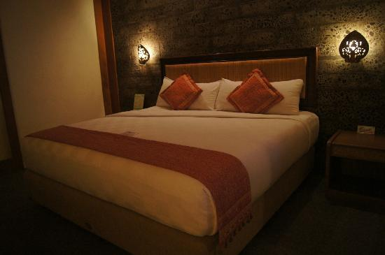 Nugraha Lovina Seaview Resort: superior room