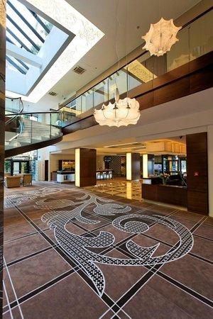 Capital Plaza: Lobby view