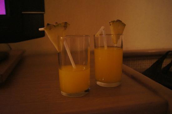 Nugraha Lovina Seaview Resort: welcome drink