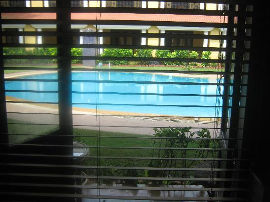Casa De Goa Boutique Resort: Swimming pool view from Room