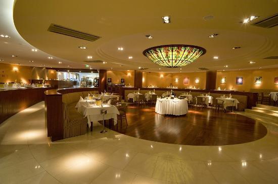 "Falesia Hotel: Restaurante ""O Lago"""