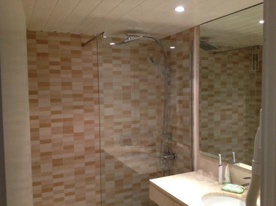 Sentido Tucan: Option of 2 showers in our room