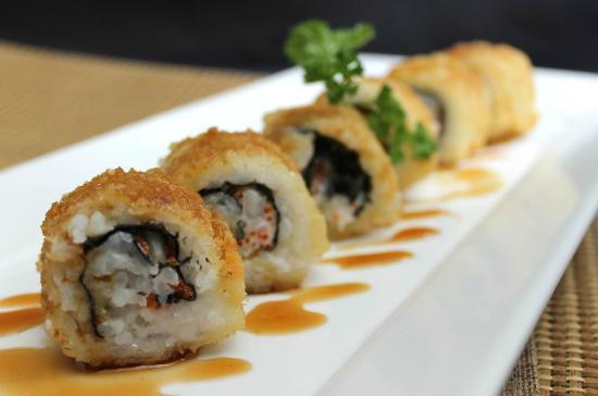 Hisago Modern Japanese Restaurant: Scallop Sushi Roll