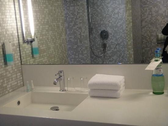 Empire Riverside Hotel : salle de bain