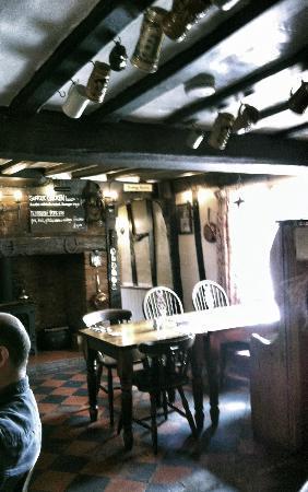 Sibton White Horse Inn: Th cosy bar