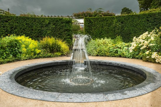 Alnwick Castle: Fountain Before the Storm