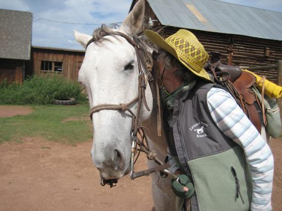 Laramie River Dude Ranch: saying goodbye to my mount, Gypsy
