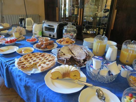 Villa Moorings Hotel: in the morning