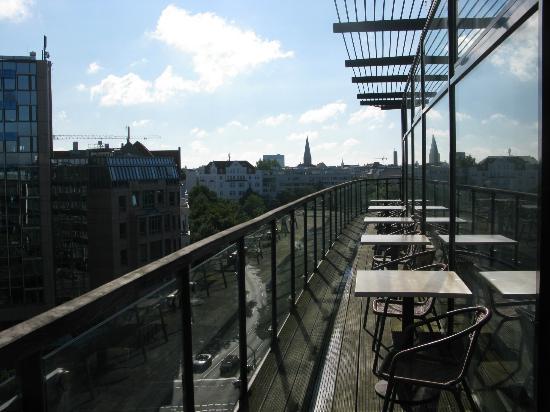 Come Inn Berlin Kurfürstendamm Opera: Berlino - Come Inn Berlin Kurfuerstendamm Opera - Veranda della sala per la colazione