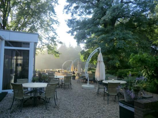 Fletcher Hotel-Restaurant Amersfoort: Outdoor seating area