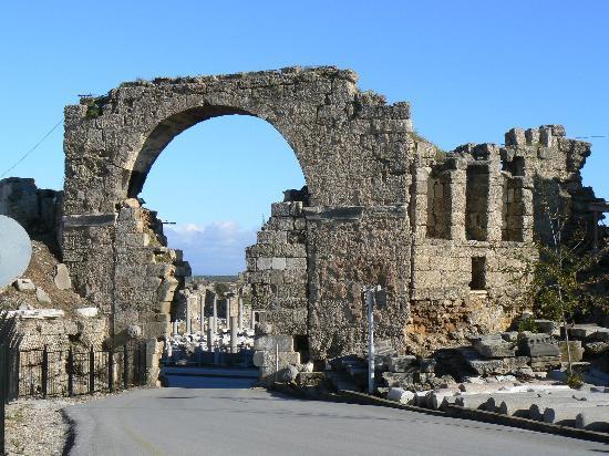 Barut Arum : Vestiges romains.