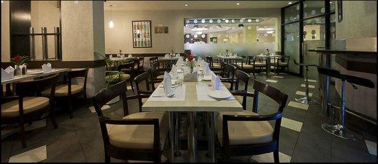 Hotel Tourist Deluxe: restaurant