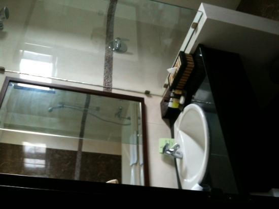 Grand Jimbaran Boutique Hotel & Spa : bagno