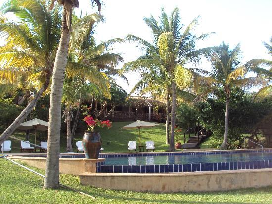 Anantara Bazaruto Island Resort: Lovely tropical grounds and two swimming pools