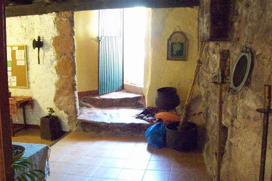 El Moli d'en Sola: the spacious subterranean lobby