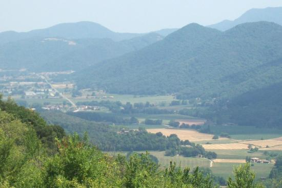 El Moli d'en Sola: view into the valley from the hills