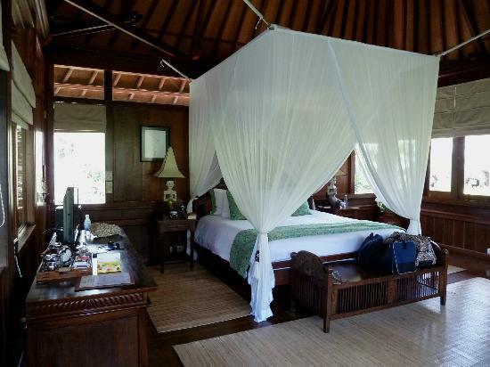 Warwick Ibah Luxury Villas & Spa: villa bedroom