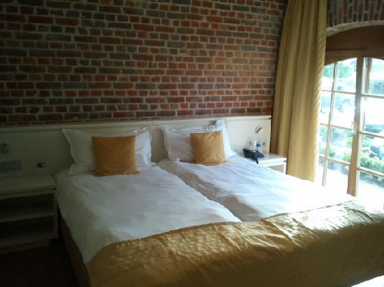 Hostellerie De Biek: chambre du rez de chaussée